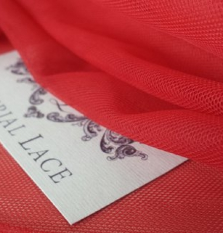 Red tulle fabric. Photo 4