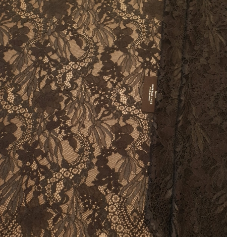 Greyish brown chantilly floral pattern lace fabric. Photo 5