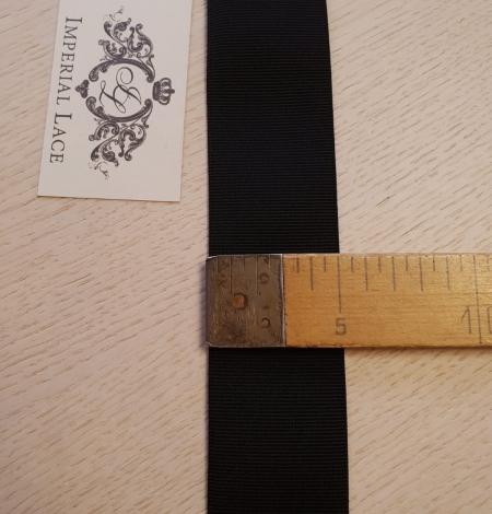 Black rubber ribbon . Photo 3