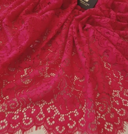 Raspberry pink 100% polyester floral pattern guipure lace fabric. Photo 4