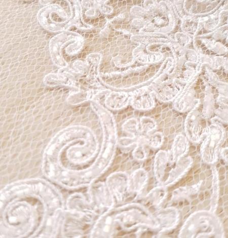 White Alencon lace fabric. Photo 2