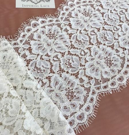 Ecru color guipure lace trim. Photo 3