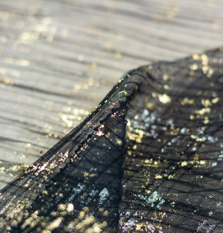 Black crinkle tulle fabric with gold foil. Photo 3