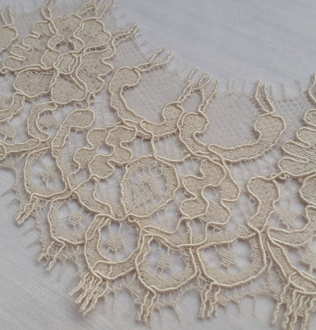 Dark Ivory Lace Trim. Photo 4