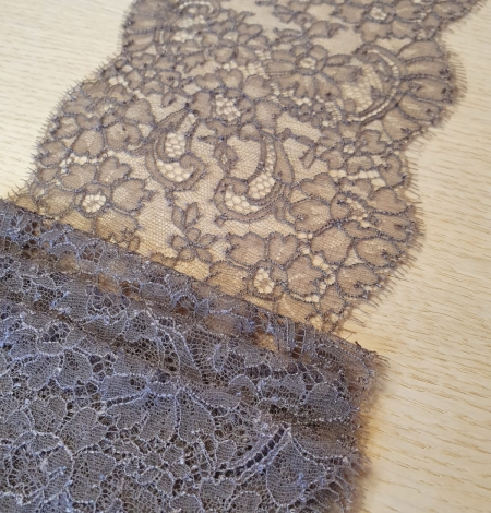 Coffee brown chantilly lace trimming. Photo 2