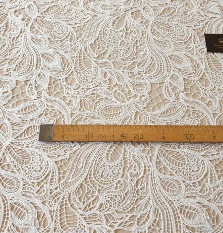 Ivory floral pattern macrame lace fabric . Photo 8