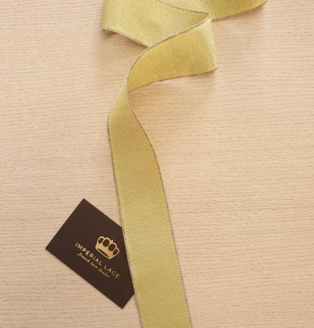 Pistachio green grosgrain ribbon linen ribbon application. Photo 1