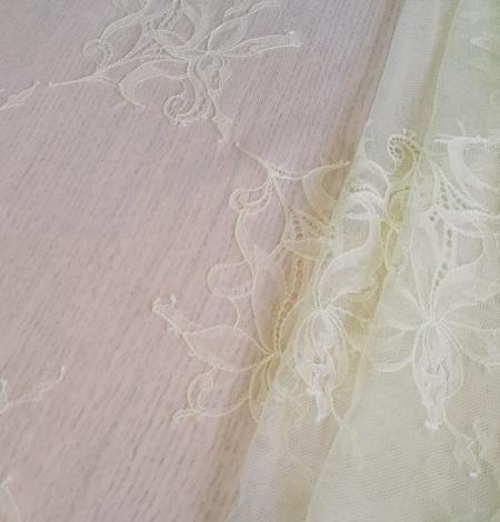 Light yellow lace fabric. Photo 5