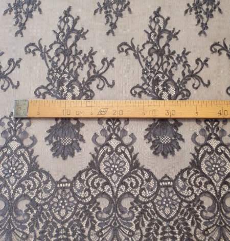 Greyish brown floral pattern chantilly lace fabric. Photo 9