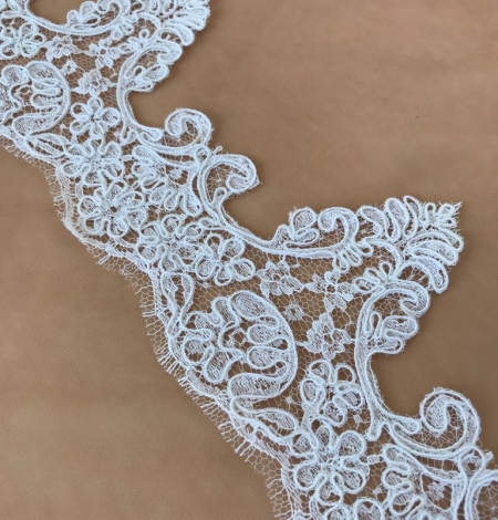White bridal lace trim. Photo 2
