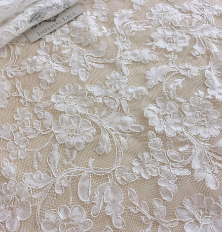 White lace fabric. Photo 3