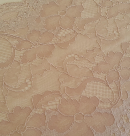 Powder Lace Trim. Photo 1