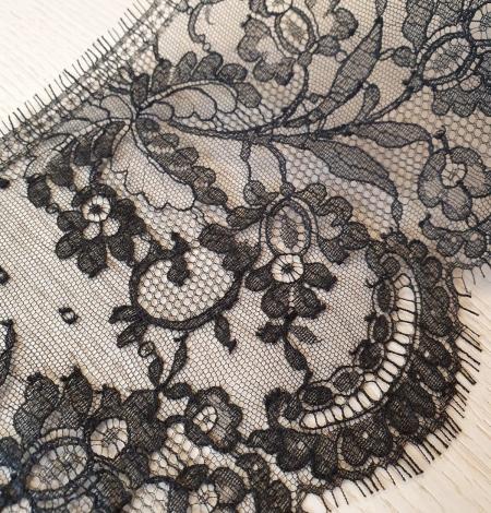 Black chantilly cotton lace trimming by Jean Bracq. Photo 4