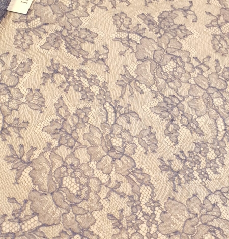 Bluish grey natural chantilly lace fabric by Jean Bracq. Photo 2