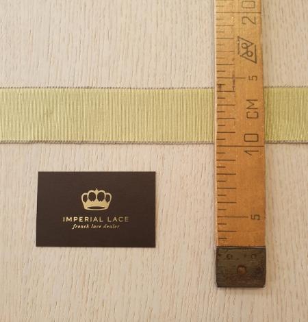 Pistachio green grosgrain ribbon linen ribbon application. Photo 6