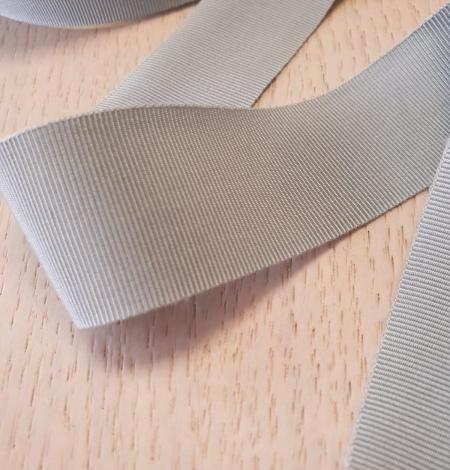Light greyish blue grosgrain ribbon application. Photo 5
