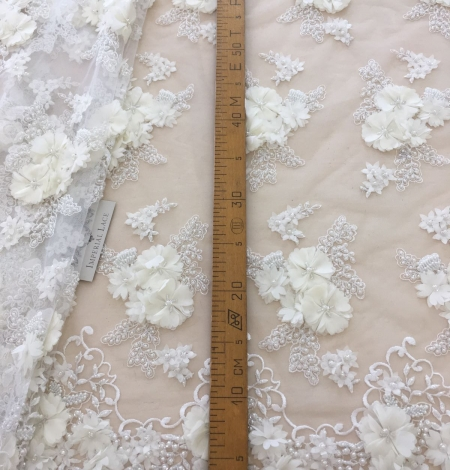 Ivory 3D beaded lace fabric. Photo 8
