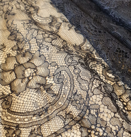 Dark navy lace fabric. Photo 3