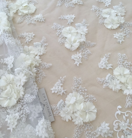 Ivory 3D beaded lace fabric. Photo 3
