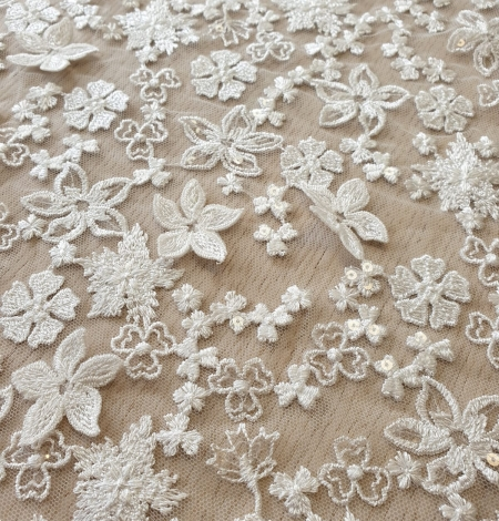 Ivory floral growing embroidery on tulle lace fabric. Photo 3