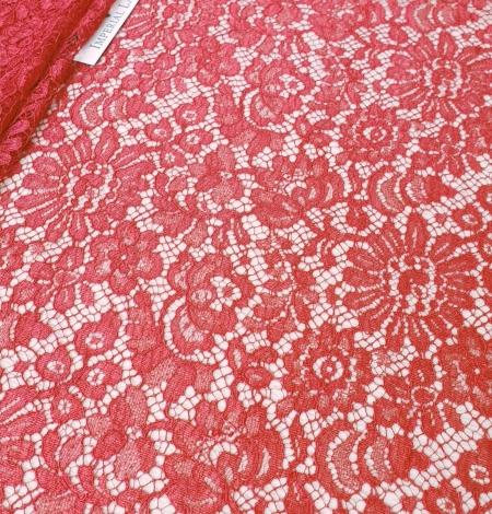 Red viscose chantilly lace fabric. Photo 3