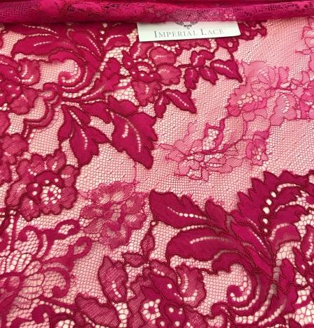 Fuchsia pink lace fabric. Photo 7