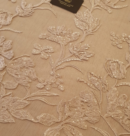 Beige 100% polyester floral pattern embroidery sequins on tulle lace fabric. Photo 5