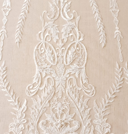 Ivory beaded lace fabric. Photo 4