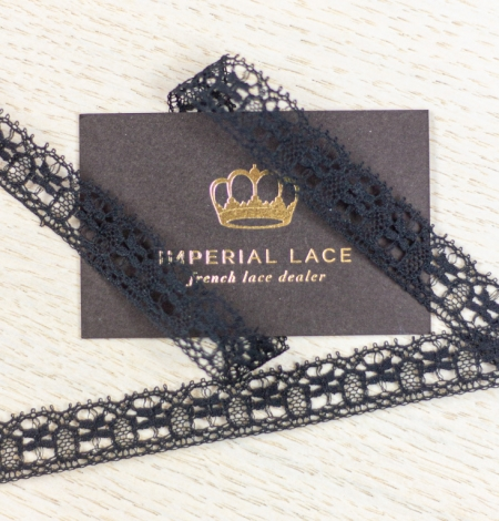 Black figurative thin chantilly lace trimming. Photo 3