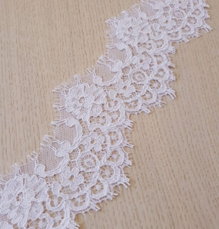 White Guipure Lace Trim French Lace . Photo 4