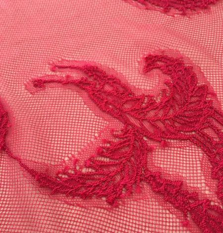 Raspberry pink lace fabric. Photo 5