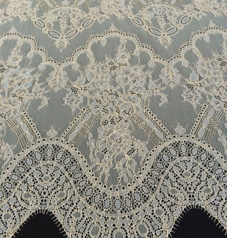 Ivory with gold lace fabric. Photo 3