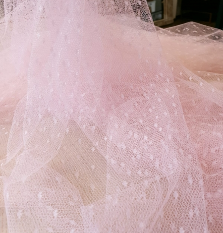 Light pink dotted tulle fabric. Photo 7