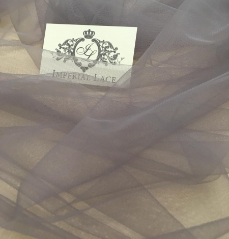 Soft grey tulle fabric with lilac shade. Photo 9