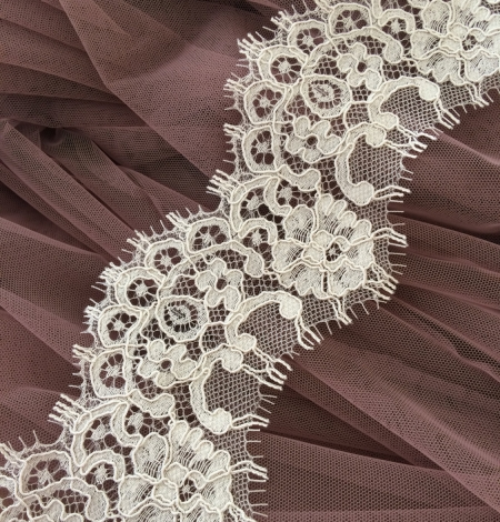 Dark Ivory Lace Trim. Photo 1
