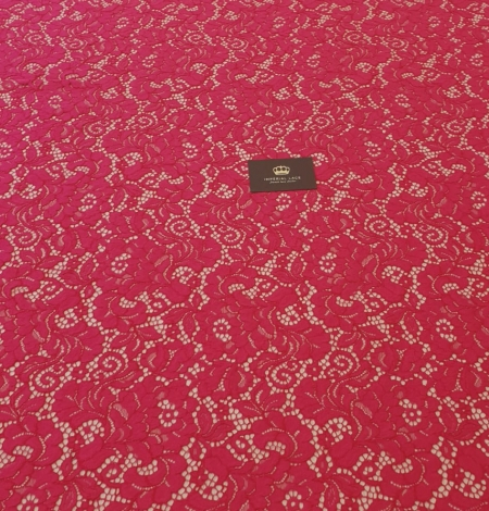 Raspberry pink 100% polyester floral pattern guipure lace fabric. Photo 7
