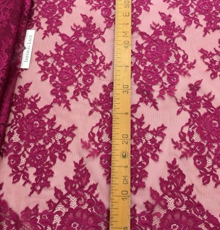Raspberry red lace fabric. Photo 9