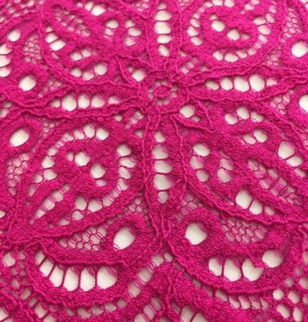 Fuchsia pink lace. Photo 2