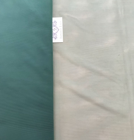 Green tulle fabric. Photo 10