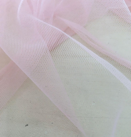 Baby pink tulle fabric. Photo 7