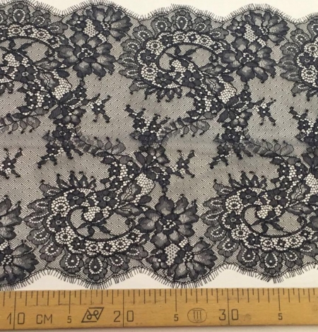 Black lace Trimming. Photo 5