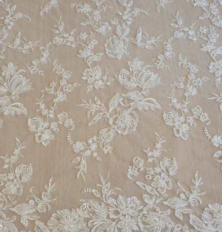Ivory beaded floral lace fabric. Photo 3