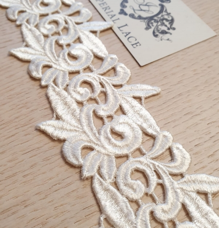 Ivory macrame lace trimming. Photo 2