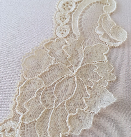 Sand yellow elastic lace trim. Photo 7