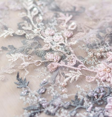 Dark greyish pink embroidery on light grey tulle fabric. Photo 4