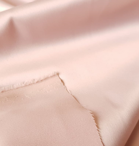 Powder pink satin fabric. Photo 2