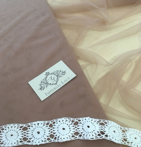 Old rose tulle fabric. Photo 2