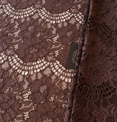Brown floral guipure lace fabric . Photo 2