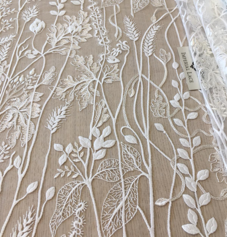 Ivory embroidery lace fabric. Photo 3