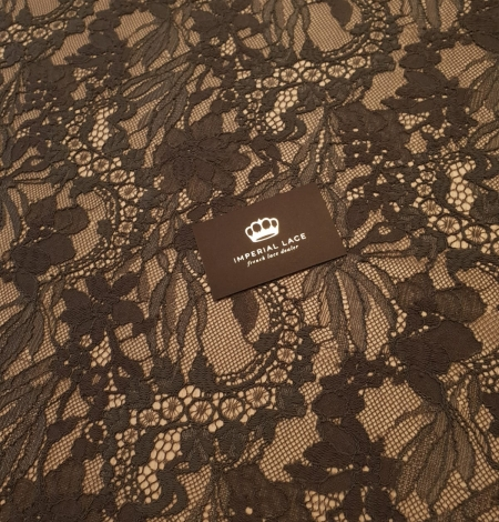 Greyish brown chantilly floral pattern lace fabric. Photo 2